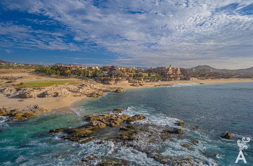 Descubra, vea y disfrute al máximo Sheraton Grand Los Cabos Hacienda del Mar.